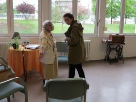 """""""Bon séjour"""", séance de travail de la designer Marie Coirié avec une patiente du CM2R"""
